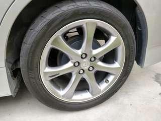 "Toyota Wish 2.0 Z oem 17"" rims with tyres"