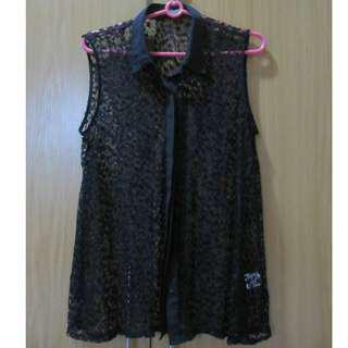 Black lace sleeveless blouse with collar