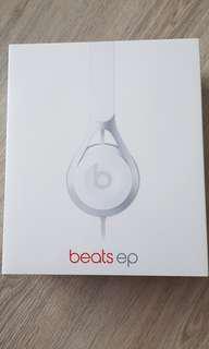 BNIB Beats EP white (sealed)
