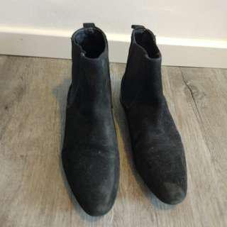 Comfortable H&M black boots