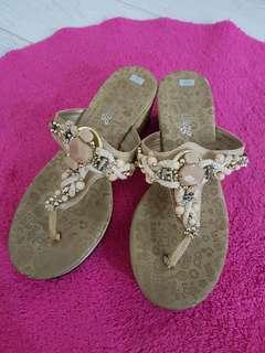 🚚 寶石夾腳涼鞋