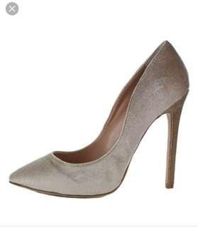 Tony Bianco Leola Stiletto Heels sand velvet colour size 6