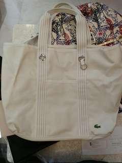 Lacoste白色側孭袋(男女適用)