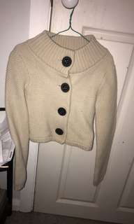 Knitted thick wool cardigan country road size small