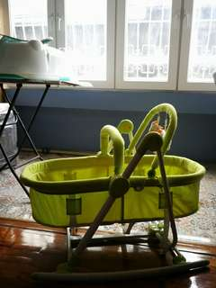 EXCELLENT CONDITION! 2-in-1 Bassinet and Chair