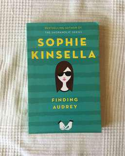 Sophia Kinsella Finding Audrey young adult book