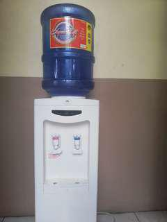 Water Dispenser and water bottle