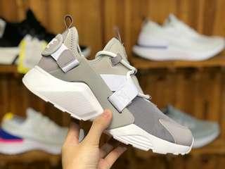 耐克 NIKE AIR HUARACHE CITY LOW 運動鞋華萊士5代
