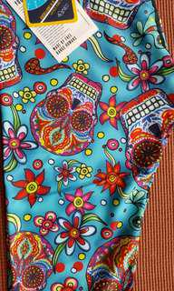 New Yoga Democracy Cropped Leggings Large L Day of the Dead