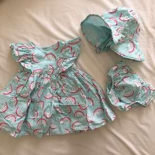 Dress mothercare dgn topi, size up to 1 month. Masih bagus bgt!