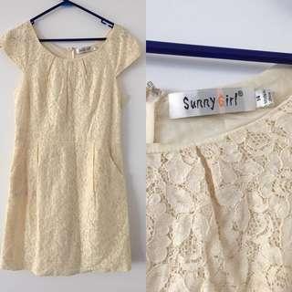 Sunny girl lace dress