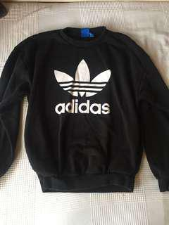 Adidas jumper size 8/10 black and white