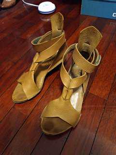 🚚 Trippen涼鞋