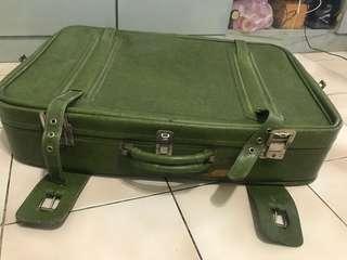 英國二手手提行李箱