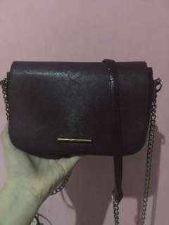NEW PRICE slingbag bershka maroon
