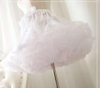 Petticoat (white)