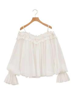 🚚 Cocodeal 蕾絲雕花一字領長袖雪紡上衣#女裝半價拉