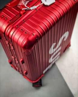 Supreme x Rimowa - Topas Multiwheel Suitcase