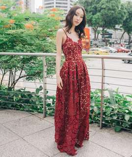 Apartment 8 La Vie En Gown Used for 2 hours only