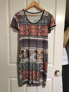 Printed dress with split