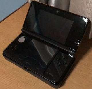 Nintendo 3DS + Game(Pokemon)