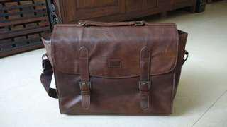Men's Messenger Bag (brown man-made leather)