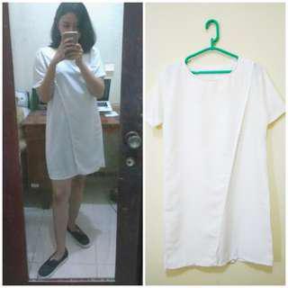 Midi dress putih