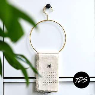 ⚡️[Instock] Halla Gold Metal Hanger x Holder