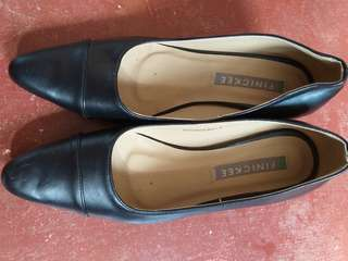 2 inches finickee black shoes