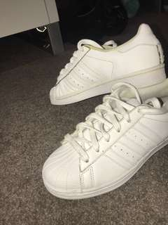 Adidas ALL WHITE superstars