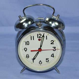 VINTAGE ANTIQUE  MECHANICAL ALARM CLOCK