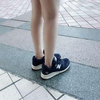 🚚 二手✨New balance 深藍色鞋款