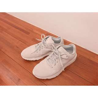 🚚 🇯🇵日本購入 23.5 NIKE淺灰麂皮運動鞋