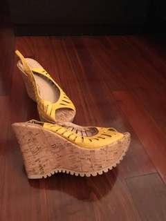 Block heel shoe - Yellow