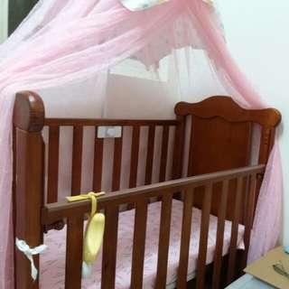 嬰兒床(含床墊,蚊帳)