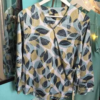 blouse motif daun