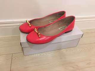 Steve Madden 螢光粉紅金色蝴蝶結娃娃鞋