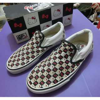 PRICE DROP! Very rare brand new never been worn Limited edition VAN'S licensed Hello Kitty checkered with original box,mint & clean. UNISEX