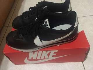 Nike 阿甘鞋