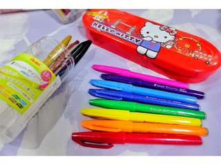 Brand New: 12pcs/set • Fude Touch Brush pens from Japan