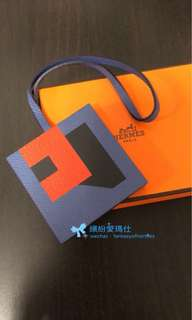 全新Hermes Letter bag charm  Letter R, E, B❌ & W 手工十分精細的無逢拼皮和顏色 Hermes fans 值得擁有💖👍 退稅價出售$5xxx🎉 Full set with copy receipt  Please inbox💌for more details❤️ Thanks😘 Ps : 下面相片是掛在B25袋的效果😉