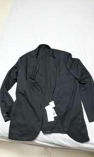 🚚 Black suit uniqlo