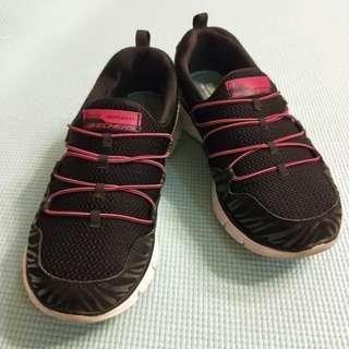 Skechers 慢跑鞋 黑x桃紅