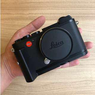 Leica CL (Included: leica CL Handgrip)