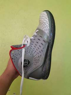 D'Rose basketball shoes