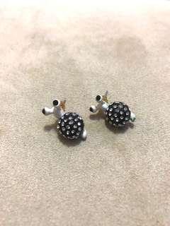 Snail glitter earrings