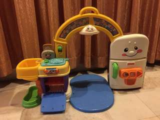 Fisher Price Laugh and Learn 2-in-1 Learning Kitchen Set