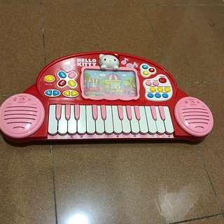 Hello Kitty 走馬畫面兒童電子琴