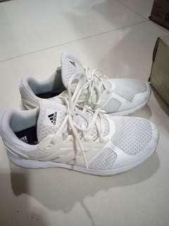 Adidas cloudfoam white ori used size 42