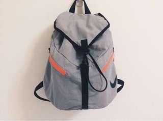 🚚 NIKE AZEDA BACKPACK 系列 灰粉色經典網布面收納袋輕巧隨行便利縮口束口大容量後背包